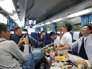 伊勢(バスの中2)